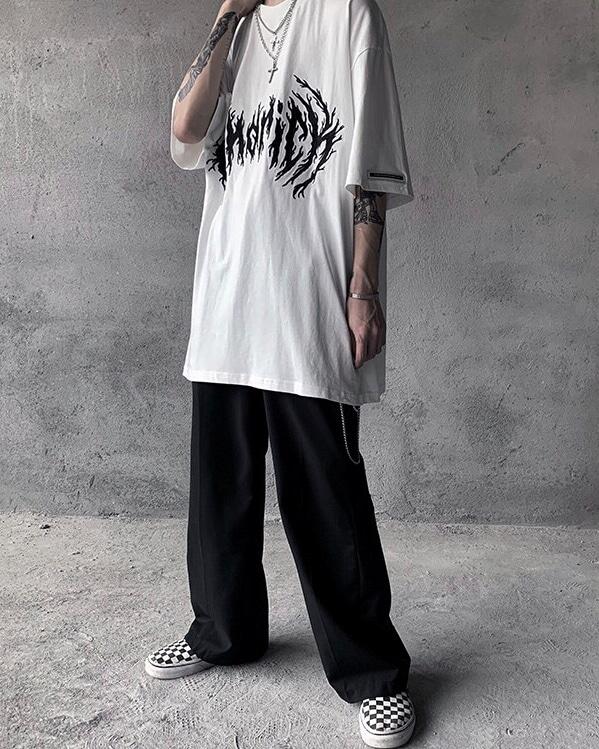 モードストリート系オーバーサイズブラックフレアTシャツ画像3